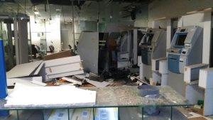 Bandidos explodem agência do Banco do Brasil em Bom Jardim.