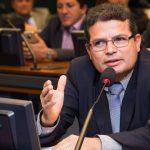 Dr. Francisco garante reajuste de 12,84% aos professores de Bom Jardim