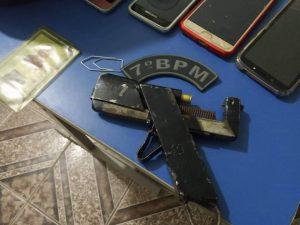 Policia Militar prende dupla de assaltantes e recupera celulares em Bom Jardim