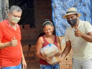 Empresário Alcionildo Matos realiza doação de 150 cestas básicas para famílias carentes na Vila União em Bom Jardim